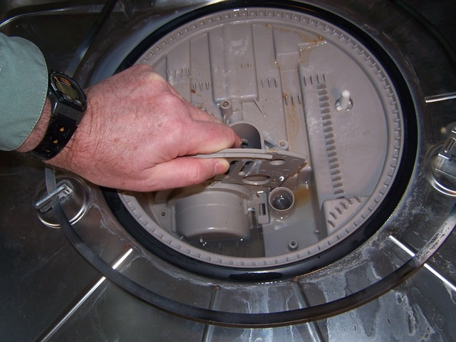Dishwasher_disassembly_16